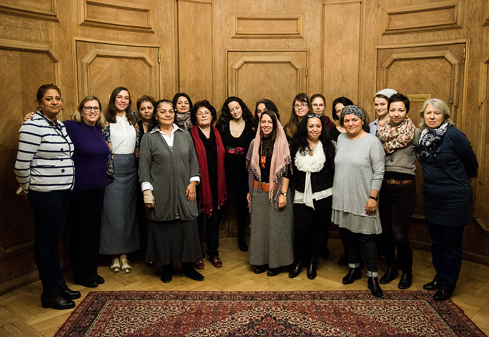 Breaking the Silence: Romani Women's Experience in the Romani Civil Rights Movement